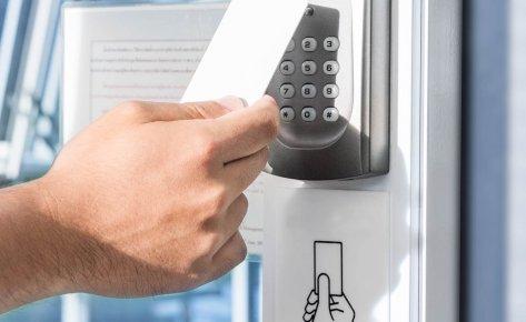 Control de accesos y seguridad