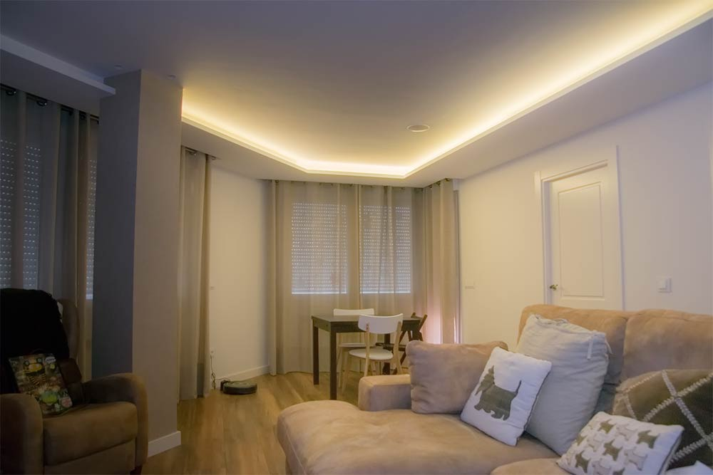 Instalación eléctrica LED en salón de casa particular