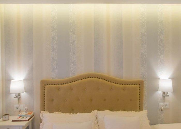 Detalles de diseño de iluminación con LED en casa particular